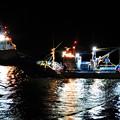 写真: 夜の漁