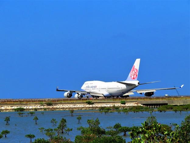 今日見た沖縄の秋空 B747