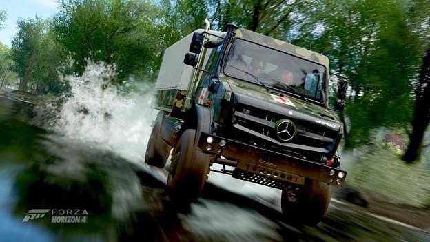 Photos: 2014 Mercedes-Benz Unimog