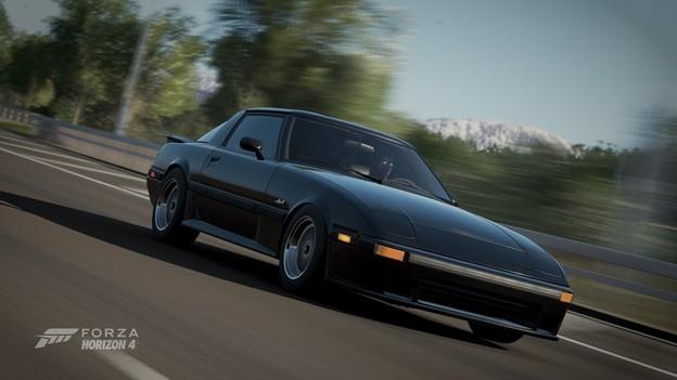 Photos: 1985 Mazda RX-7