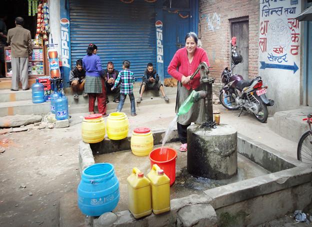 46ネパール-1共同水道