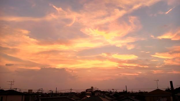 写真: 猛暑日の夕空ーB