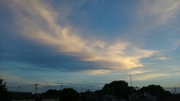 写真: 猛暑日の夕空