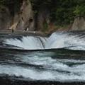 吹き割の滝