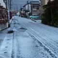 Photos: 4月の町に氷が降る