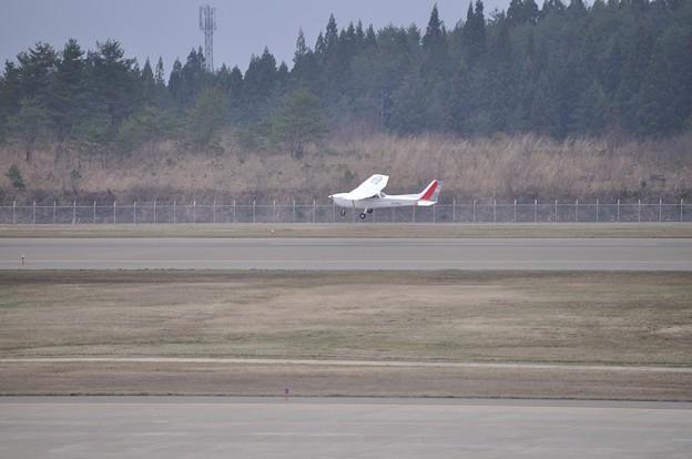 秋田空港 自家用小型機 17-04-16 14-38_01