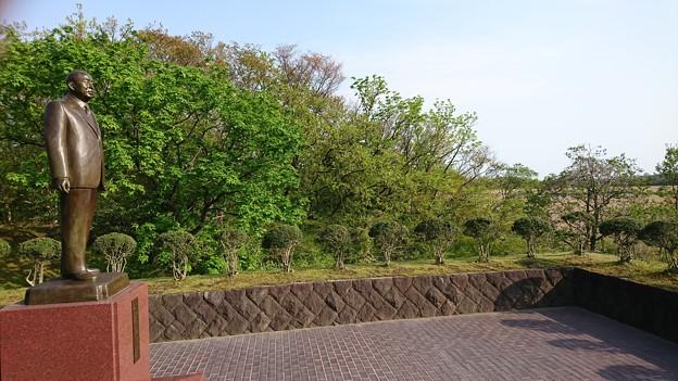 秋田県立博物館 小畑勇二郎銅像