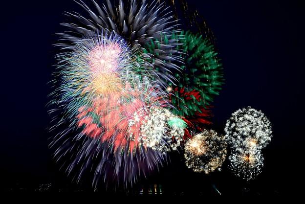 令和元年夏空のアート(三河の刈谷花火)
