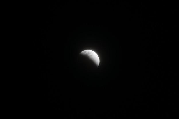 月蝕中の月