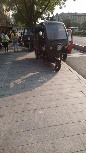 綺麗目な方の三輪タクシー