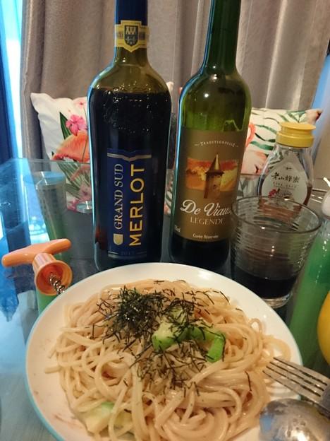 タラコパスタと法国のワイン