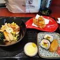 Photos: 冷やし中華 唐揚げ 助六寿司