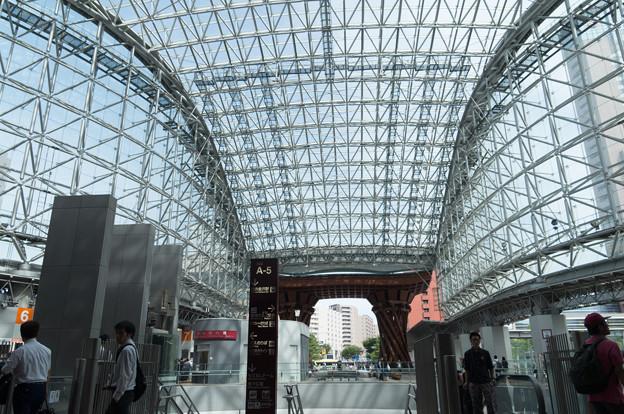 写真: 金沢駅 (2)