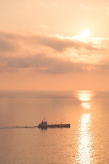 Photos: 船と夕陽