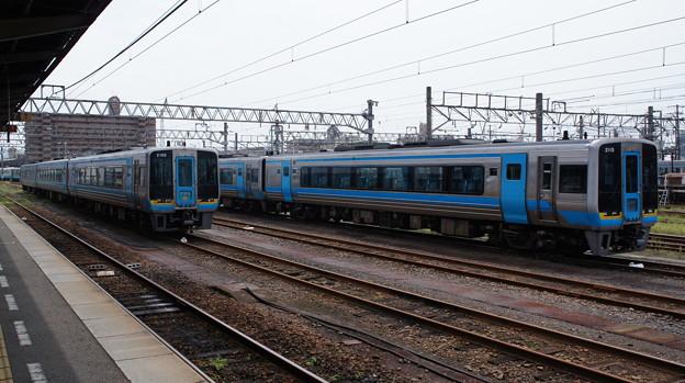 JR四国 2000系 2105と2115