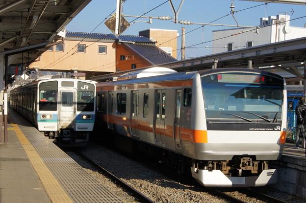 211系 N323とE233系 T17