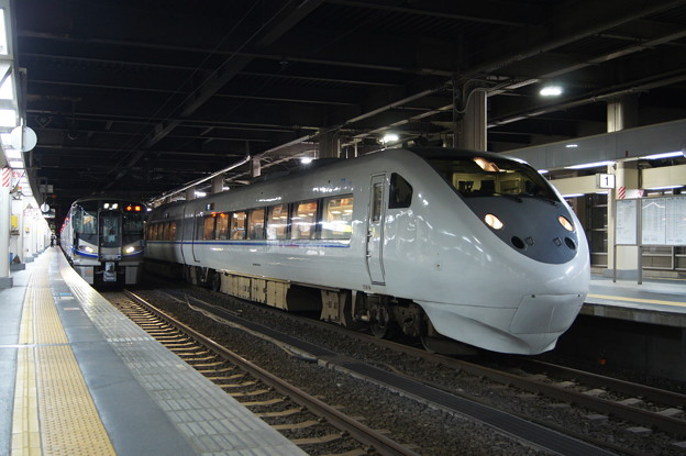 681系 V12