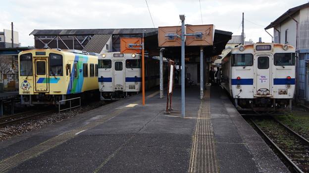 平成筑豊鉄道 406とJR九州 キハ147 54とキハ40 8052