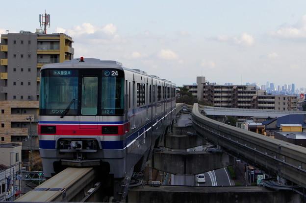 大阪モノレール 1000系 24編成