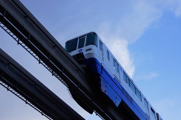 大阪モノレール 2000系 15編成