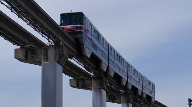 大阪モノレール 2000系 11編成
