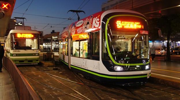 広島電鉄 3902と1016