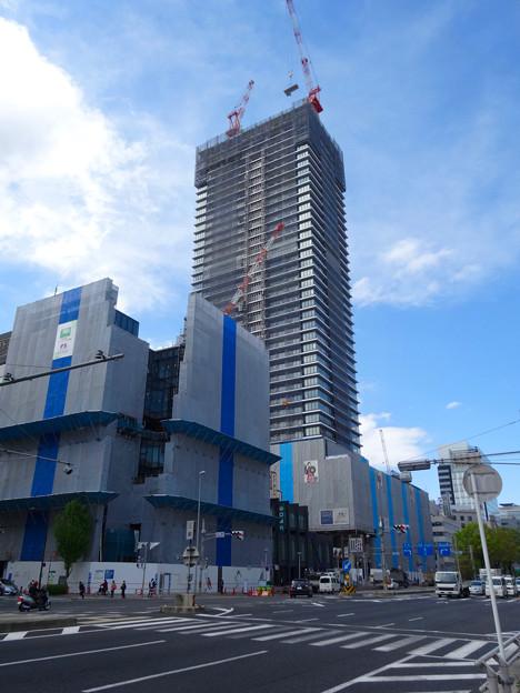 写真: 建設進む御園座の高層マンション(2017年4月18日) - 4