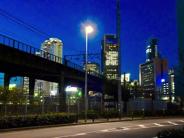 写真: あおなみ線の線路越しに見た名駅ビル群 - 3
