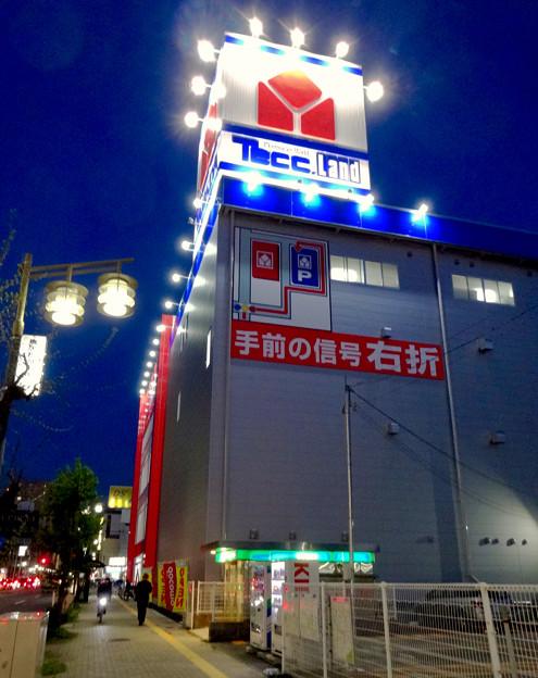 リニューアルオープン初日(17年4月28日)のヤマダ電機テックランドNEW春日井店(夜) - 3