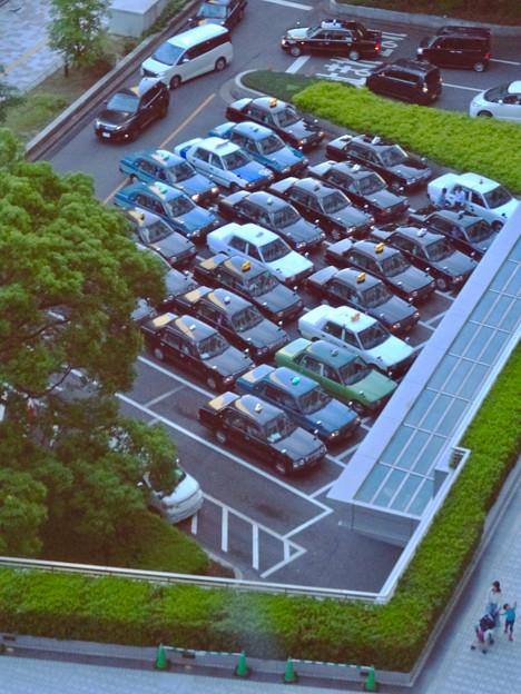大勢のタクシーが詰めかけてた(?)名古屋駅前 - 2