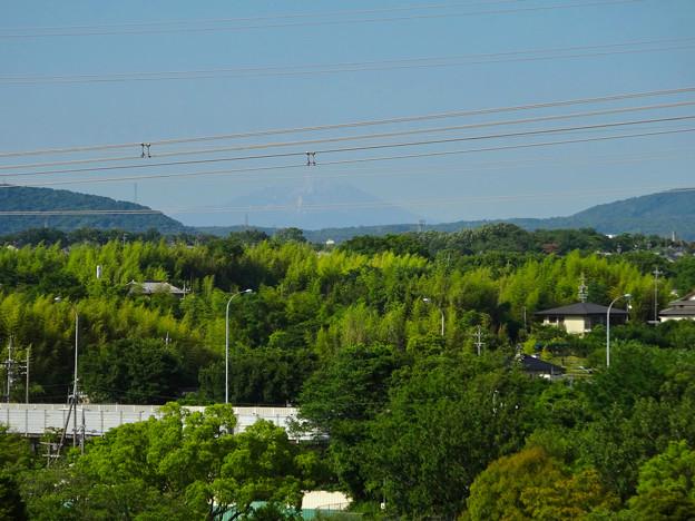 落合公園 水の塔から見た景色:雪がほとんど消えてた、初夏の御嶽山 - 1