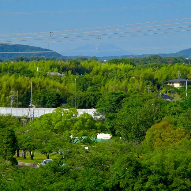 落合公園 水の塔から見た景色:雪がほとんど消えてた、初夏の御嶽山 - 8