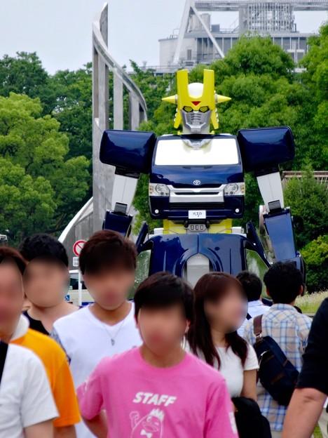 あいちめし地域応援合戦 2017:トヨペットのロボットキャラ(?)「スライジャーロボ」 - 7