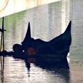 写真: 堀川:錦橋下に停留されてたゴンドラ - 3