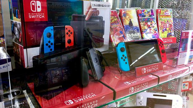 写真: 任天堂Switch - 2