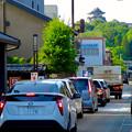 写真: この日はやけに車の往来が多かった、土曜の犬山城下町
