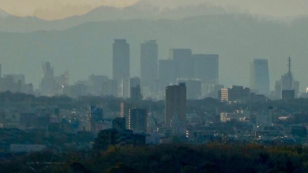 愛・地球博記念公園駅から見えた夕暮れ時の名駅ビル群 - 3