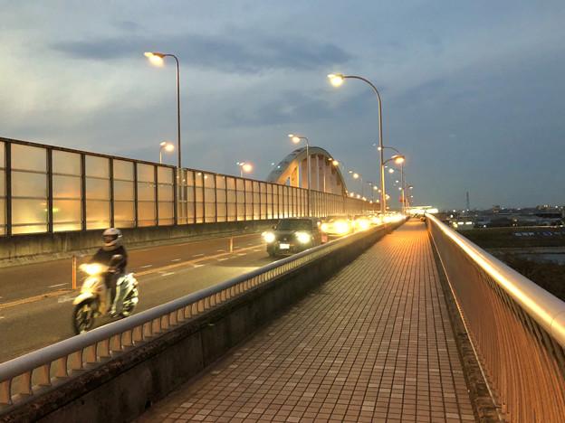 庄内川に架かる橋の名二環横の歩道 - 1