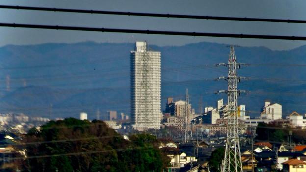 県営岩崎住宅から見たスカイステージ33 - 2