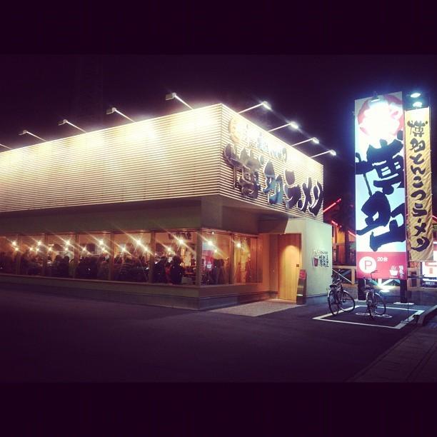 満席だった夜の鶴亀堂(2012年3月)- 1