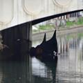 錦橋下に停泊中のゴンドラ
