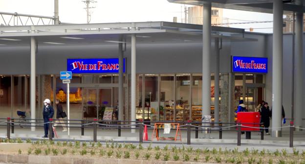 整備工事が終わったJR春日井駅(2018年4月8日) - 7:パン屋の「ヴィ・ド・フランス」もオープン!