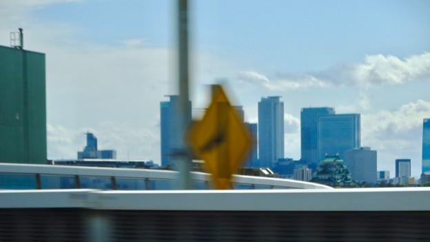 名古屋高速から見えた、名駅ビル群をバックにした名古屋城 - 1