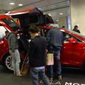 写真: 名古屋駅コンコースで展示されてたTesla「Model S」 - 4