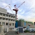 建設工事中の小牧市民病院の新しい建物(2018年4月26日) - 1:巨大クレーン