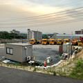 写真: 桃花台線の旧車両基地進入高架撤去工事(2018年5月16日) - 1:撤去用の車両
