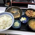 写真: 吉野家:炙り塩鯖牛定食 - 1