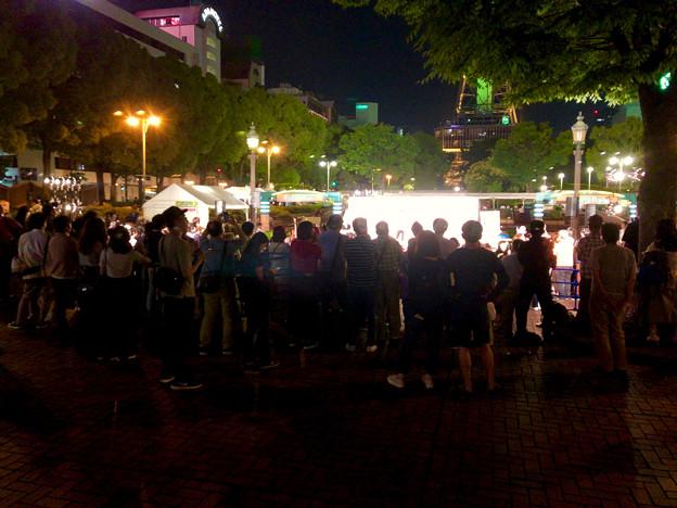 沢山の人で賑わってた夜の名古屋ハワイフェスティバル 2018の会場 - 3