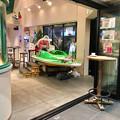 大須観音横の競艇PR施設に展示してあるレース用ボート - 1