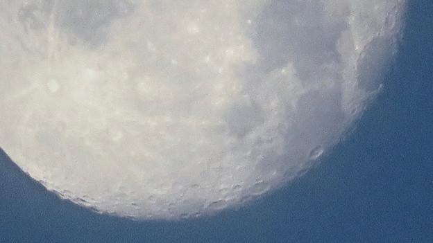 WX3000よりくっきり見えた、SX730 HSデジタル160倍で撮影した早朝の満月 - 3:クレーター